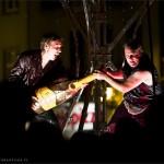 """Spektakl """"Überfluss"""" teatru Bängditos z Niemiec – Rynek Nowomiejski w Toruniu – 13 lipiec 2012 r."""