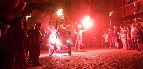 Firebirds - spektakl teatru Titanick - toruńska Starówka - 24 maj 2014 r.