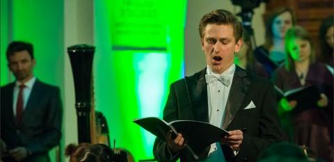 """Koncert """"Missa pro defunctis – ofiarom zbrodni katyńskiej"""" - kościół Akademicki w Toruniu - 25 kwiecień 2015 r."""